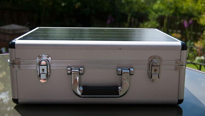 solar briefcase review