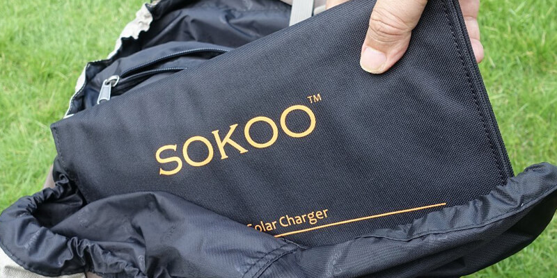 sokoo folding solar phone charger black