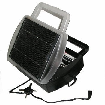 GoldMaster Solar Battery Charger for Cell Batteries
