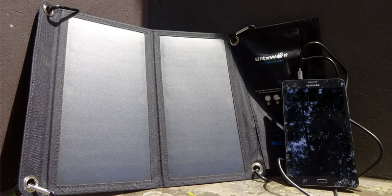 Blitzwolf 15W Solar Charger Hands-on Review